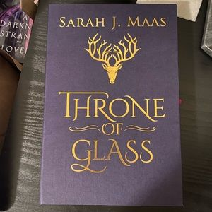 Collector's Edition of Throne of Glass